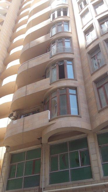 Bakı şəhərində в жилом комплексе недалеко от бакинского развлекательного центра