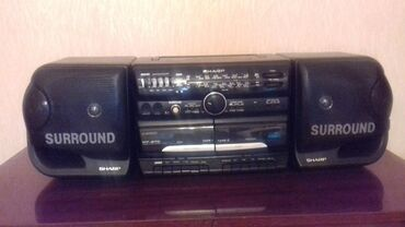 """Магнитофон """" SHARP """"с двумя колонками,есть радио, 2х-кассетник"""