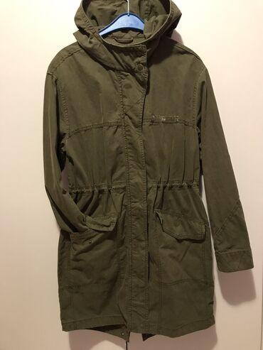 Amisu jakna Velicina 36Jakna je nova nije nosena samo je skinuta