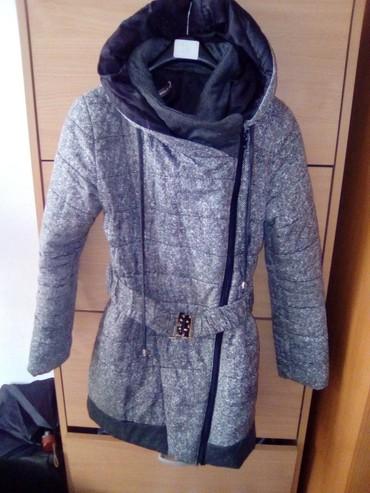 Flo-clo-jakna-placena-e - Srbija: Prelepa zimska jakna . placena 7000 din. pise L ali odgovara M