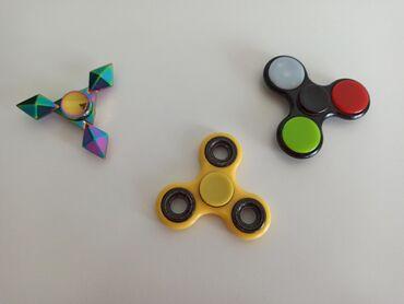 Fidget spinnerCena je za sva triIspravni,na poklon idu jos dva koja su