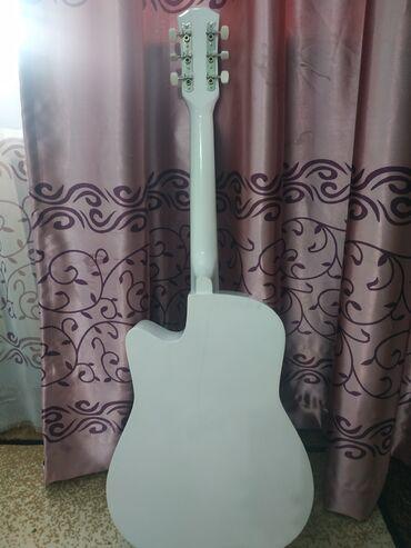 Спорт и хобби - Александровка: Продаю гитару в отличном состоянии/самовызов /акустическая гитара
