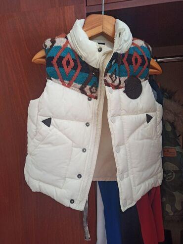 купить качалку детскую в Кыргызстан: Продаю детскую желетку качество шикарное неношенна 5+