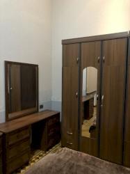 столик прикроватный в Азербайджан: Продается спальный гарнитур: односпальная кровать, шкаф, тумбочка и ту
