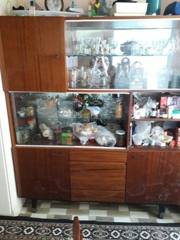 Bakı şəhərində Servat - 30 AZN . Mohkem ve cox tutumludur.