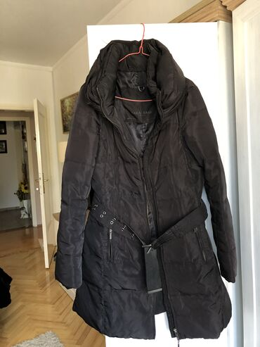 Zara jakna - Srbija: ZARA crna zenska jakna, BAS KAO NOVA. M velicina. Nosena par puta