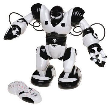 Интерактивная игрушка робот WowWee Robosapien В отличном состоянии