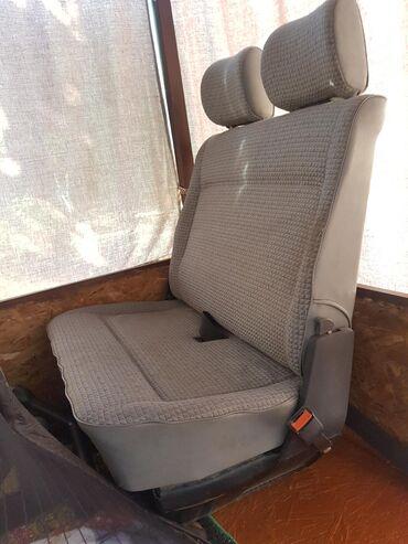 Продаю передний двойной сидени фольцваген Т4 транспортёр грузовой и