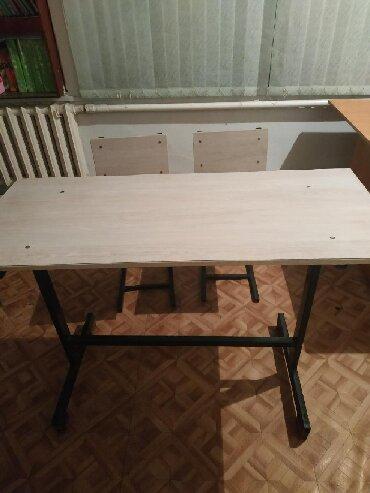 Мебель - Кыргызстан: Продаются парты со стульями в отличном состоянии 6 комплект