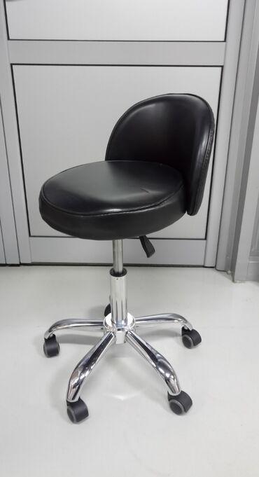 Nameštaj - Novi Sad: Pomoćna radna stolica za salone Rasprodaja!Malo korišćene i nove