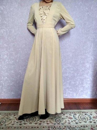 туника бежевая в Кыргызстан: Платье на никах размер 42-44 цена 1500 б/у