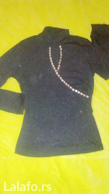 Nova siva bluza protkana srebrnim lameom i ukrašena cirkonima i ima - Vrnjacka Banja