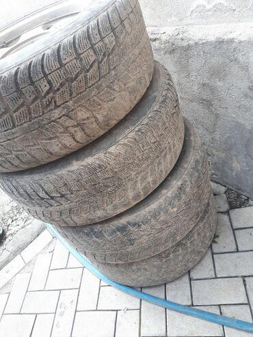 Шины и диски - Колдонулган - Ак-Джол: Продаю резину. шину. сезон откатать можно 2. 2 слабый протекто.235