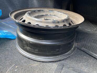 диски камри в Кыргызстан: Железные диски привозные 5 R16 - 4 шт комплект, стояли на Тойоте Камри