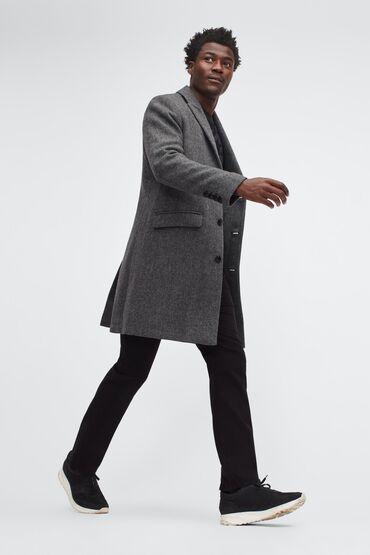 adidas m в Кыргызстан: Эластичное пальто из итальянской шерсти. Это универсальное