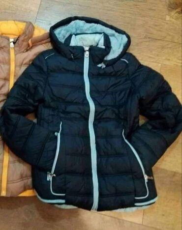 Zimske jakne samo plava i crno roza je ostala S,M, L 3500 din