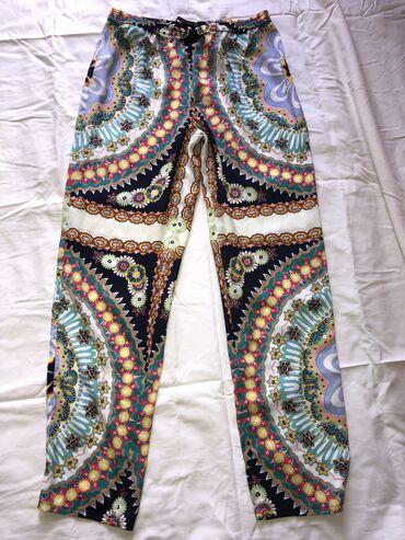 Toop predivne zara pantalonice od posebnog materijala