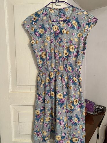 Отличное платье легкое и приятное!
