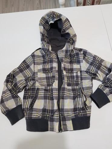 Dečije jakne i kaputi - Vrsac: Zara jakna sa dva lica. Jedna strana šuškava idealna za ovo vreme vel