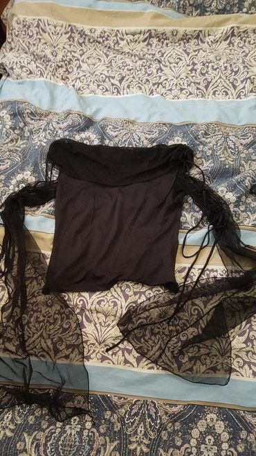 Кофточка один раз одели размер М в Бишкек