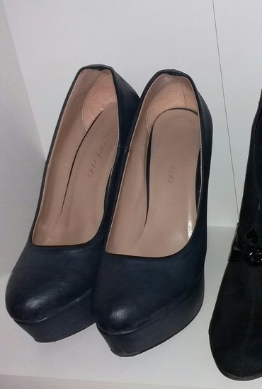 Zenske cipele stikle br. 39 par puta obuvene, navy tamno plave - Kragujevac