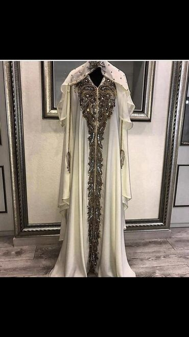 Эксклюзивное платье! Шикарнейшая абайка из Дубая!  Размер; M,L,XL Цвет