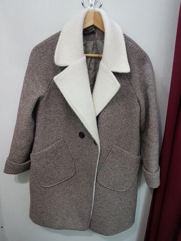 Продам пальто 44-46 размера в хорошем состоянии,распродаю всё,смотрите
