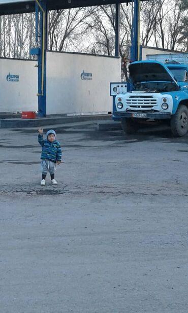 урал в Кыргызстан: 250000 продаю зил 130 коротыш мотор урал все новое .цена срочное 250