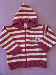 Ostala dečija odeća   Futog: Dzemper za devojcicu uzrasta 12-18 meseci  Prodajem dzemper sa kapulja