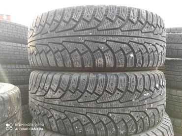 шины на 17 цена в Кыргызстан: 245.65.17 размер Продаю шины пара зимняя цена 7000 сом