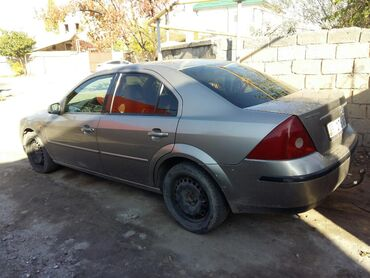 Ford Mondeo 1.8 л. 2002