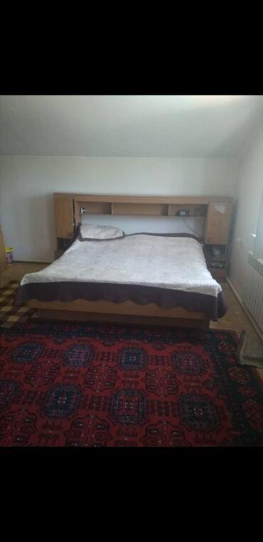 Срочно продаю спальный гарнитур немецкий, шкафы вместительные, кровать