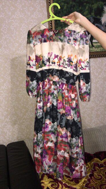 лёгкие платья в Кыргызстан: Очень красивое итальянское платье  Вживую красивее в 100 раз Бесплатна