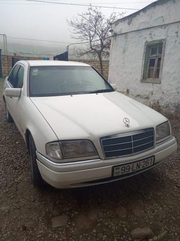 Siyəzən şəhərində Mercedes-Benz C 180 1995