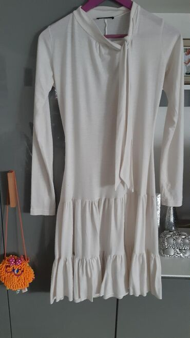 Ženska odeća   Nis: Pronto haljina pamuk. Velicina S-M. Pogledajte i ostale oglase