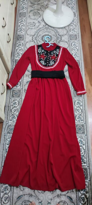 Продаю очень красивое,нежное национальное платье,одевала всего один