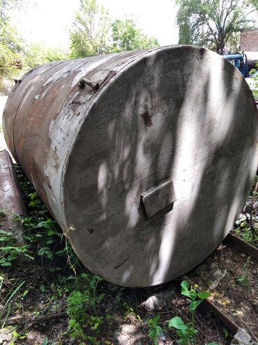Цистерну 5 куб - Кыргызстан: Ёмкость 25 куб азб трубы 300 тый 1,5 куб 2 штук 25 сом кг