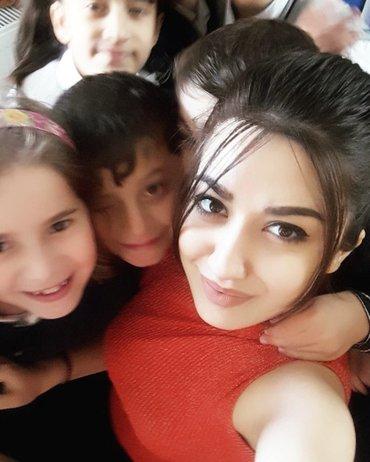 Bakı şəhərində Azerbaycan Dovlet Pedoqoji Universitetini bitirmisem. Ibtdai sinif sag
