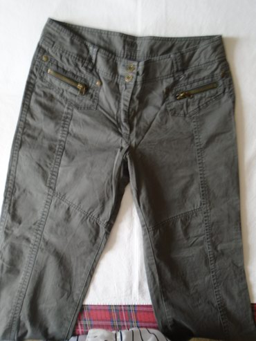 Kvalitetne pantalone Joy od 100% pamuka. Pozadi na jednom džepu - Belgrade