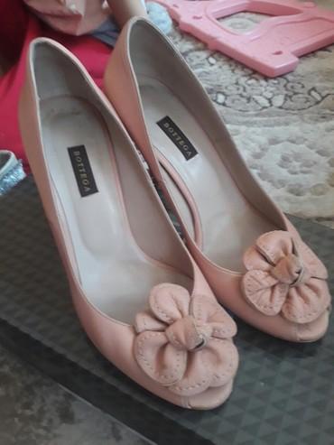 zakrytye tufli в Кыргызстан: Красивые туфельки 37 размера, в отличном состоянии. Прошу 550
