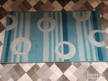 Tepih u dobrom stanju  Dimenzije : 147x 79 cm