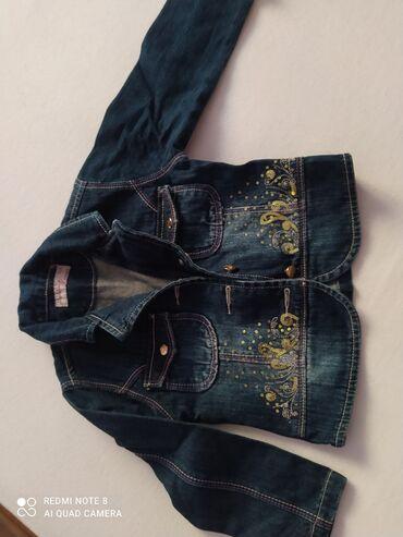 Sako jakna za male dameBez oštećenjaVeličina za 30meseci, oko 2 godine