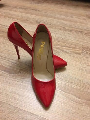 Женские туфли. Производство Турция. Одеты один раз на свадьбу в Bakı