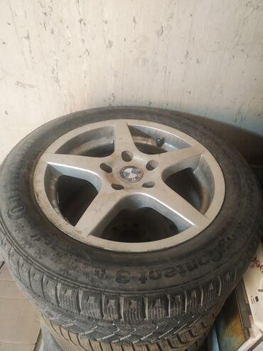куплю диски на 16 бу в Кыргызстан: Продам шины от бмв с титаном зимные р16  215/55-16
