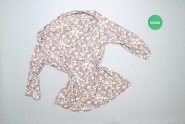 Жіноча блуза з квітковим принтом    Довжина: 66 см Рукав: 38 см Напіво