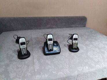 Sekretarica - Srbija: Dobar Siemens bezicni fiksn telefon sa 3 slusalice. Potpuno ispravan i