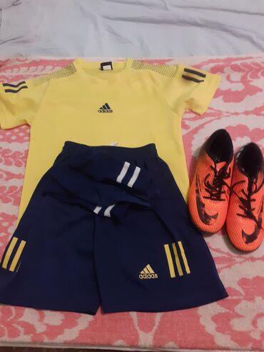 работа для детей 10 11 лет бишкек in Кыргызстан   ШКОЛЬНАЯ ФОРМА: Продаётся спортивный костюм с обувью (комплект)для футбола, в отличном