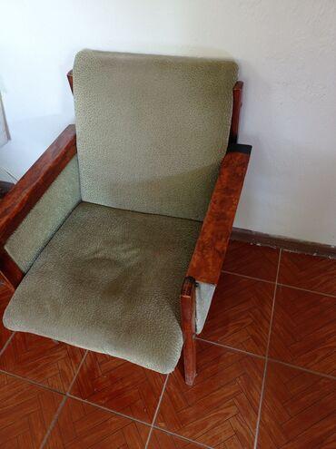 Продается одно кресло, находится в Сокулуке. Советское, устойчивое