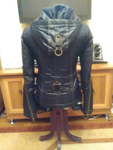 Куртка женская. размер 42. в Бишкек