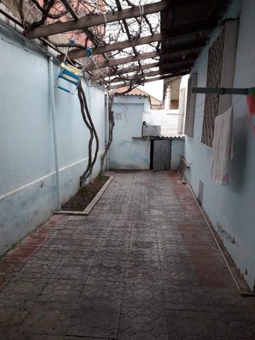 Bakı şəhərində Bineqedi qesebesinde 2.5 yarimda tikilen 100 kv 3 otaqli heyet evi